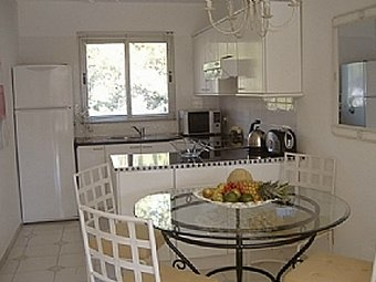 "Modern well furnished kitchen, Miraflores Jardin ""A"""